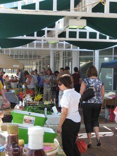 Battle Creek's farmers market in Festival Square! Who doesn't love fresh and delicious produce and homemade goods?