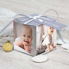 Boite de dragées baptême avec des couleurs douces et de belles photos de votre garçon pour un joli cadeau invité, ref N34032