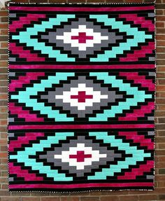 I made the Spanish Textile Quilt in pink and emerald. Tapestry Crochet Patterns, Loom Patterns, Quilt Patterns, Quilting Tutorials, Quilting Projects, Quilting Designs, Native American Patterns, Native American Beadwork, Bargello Quilts