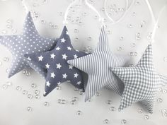 Christmas decoration and accessories: 4 fabric stars in gray made by neelusa via … - FABRIC CRAFTS Christmas Tree Toy, Nordic Christmas, Christmas Makes, Christmas Crafts, Fete Ideas, Fabric Stars, Driftwood Projects, Handmade Christmas Decorations, Star Ornament