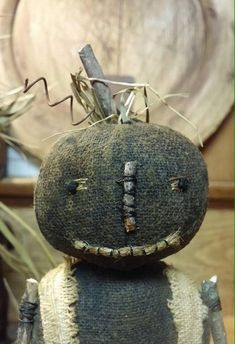 Wee Punkins n Pokes e pattern image 4 Primitive Fall Crafts, Primitive Scarecrows, Primitive Autumn, Primitive Decor, Country Halloween, Fall Patterns, Pattern Images, Pumpkin Decorating, Pin Cushions