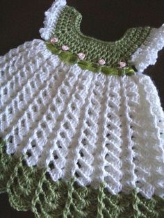 """Örme elbi """"The actual color is lighter than the pic. Made in Caron Simply Soft yarn White and Pistachio. Size 0 to 3 months. Made by Linda Smith"""", """"ROBE Crochet Baby Dress Pattern, Baby Girl Crochet, Crochet Baby Clothes, Crochet For Kids, Crochet Patterns, Crochet Dresses, Pattern Skirt, Doily Patterns, Crochet Ideas"""