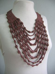Crochet Designs Free: see this elegant Maxi necklace in crochet. pretty.