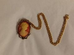 Vintage Cameo Brooch or Pendant Gold Tone Chain Orange Beige #Unbranded