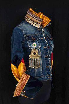 50 Diverse Ideas of Denim Jackets Decor: articles and DIYs – Livemaster Diy Jeans, Love Jeans, Denim Fashion, Look Fashion, Jean 1, Denim Ideas, Denim Crafts, Blue Jean Jacket, Recycled Denim