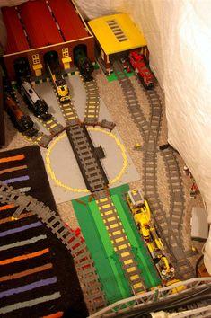 custom lego train track | Layout: Marshalling Yard Lego Train Station, Lego Train Tracks, Lego City Train, Lego Trains, Steampunk Lego, Lego Village, Lego Winter, Lego Display, Lego Construction