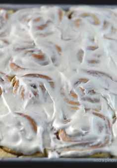 Bart's Cinnamon Rolls Recipe - This cinnamon roll recipe produces perfectly light and fluffy cinnamon rolls every time! So simple to make, this is a family favorite cinnamon roll recipe! Best Dessert Recipes, Fun Desserts, Easy Recipes, Cookie Desserts, Steak Recipes, Popular Recipes, Baking Recipes, Strudel, Croissants