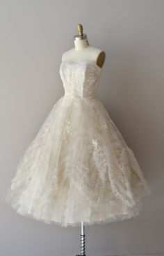1950s+wedding+dress+/+vintage+50s+dress+/+Snow+by+DearGolden,+$525.00
