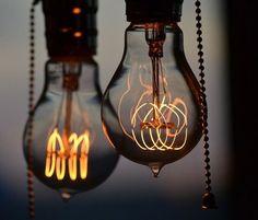 Bulbrite Nostalgic Edison Light, 1920 Antique Style Bulb