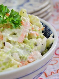 Chinese cabbage salad with horseradish sauce Czech Recipes, Raw Food Recipes, Salad Recipes, Cooking Recipes, Healthy Recipes, Healthy Cooking, Healthy Eating, Good Food, Yummy Food