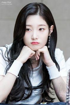 Jung Chae Yeon   Чон Чеён   DIA Cute Korean Girl, Asian Girl, Kpop Girl Groups, Kpop Girls, Jung Chaeyeon, Kim Sejeong, Beautiful Chinese Girl, Idole, Soyeon
