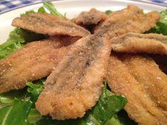Le alici sono pesci che si possono mangiare sia fresche che salate (acciughe sotto sale), inoltre il valore economico è buono in quanto le carni sono gustose. Con le alici si possono preparare diversi antipasti, ma quello che vi propongo oggi è sì un piatto marinato, ma fritto. Anche se qualcuno può essere dubbioso sulla…