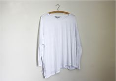 White Batwing #style #fashion #outfit #ootd #fashionblog #fblogger #fblog #fashionblogger #outfitidea