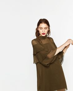SHORT FRILLED DRESS DETAILS 999,000 VND COLOR: Khaki 9878/125
