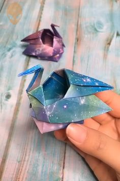 Easy Origami Tutorials For 2020 - DIY Tutorials Videos Instruções Origami, Origami And Kirigami, Paper Crafts Origami, Useful Origami, Diy Crafts For Gifts, Diy Arts And Crafts, Diy Y Manualidades, Paper Flowers Craft, Origami Tutorial