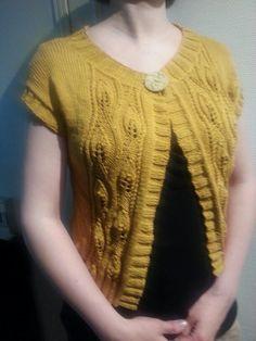Little jacket. Yarn: HjerteGarn Blend bamboo