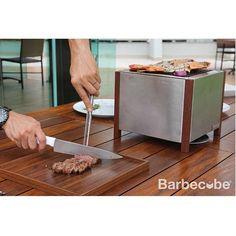 """Barbecube® sua própria tampa vira uma tábua de corte! Reserve já a sua!  Pedidos envie um e-mail para contato@nooxdesign.com.br para saber como adquirir a sua. """"Grill every where""""  #noox #design #nooxdesign #productdesign #stainlesssteel #wood #barbecue #barbecube #barbecueeverywhere #cube #churrasqueira #churrasqueiraportatil #churrasco #cubo #madeira #acoinox #portatil #jardim #casa #mobiliario #mobiliariourbano #acessórios #praticidade #barbecuedesign #grill #luxury #luxurybarbecue…"""