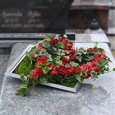Unique Flower Arrangements, Funeral Flower Arrangements, Funeral Flowers, Beautiful Rose Flowers, Unique Flowers, Fall Flowers, Grave Decorations, Flower Decorations, Cemetery Flowers