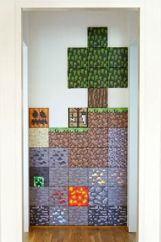 diy minecraft wall I plan on having a game room where my husband and I can geek out and get our video game on and this would be so cute for one of the walls! Mine Craft Party, Minecraft Crafts, Minecraft Wall Designs, Minecraft Room Decor, Minecraft Decorations, Boys Minecraft Bedroom, Minecraft Classroom, Minecraft Activities, Creeper Minecraft