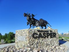 Casper, Wyoming is one of the best places to go for a glimpse into the history of the West. Find out about the historic trails and the National Historic Trails Interpretive Center. At one point Dad helped in the construction of parts of this building. Wyoming Mountains, Wyoming State, Wyoming Vacation, Tennessee Vacation, Casper Wyoming, Oregon Trail, Mountain States, Old West, Places To See