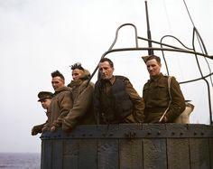 Capa in Color 1943 - En mer, juillet 1943 - Cinq soldats anglais sur un navire de transport de troupes entre L'Angleterre et l'Afrique du Nord.