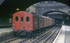 F stock was transferred to the Metropolitan and East London Lines in 1951 until their decommisioning in Whitechapel station, date unknown.Shame there are no F stock surviving now. Vintage London, Old London, London Transport, Public Transport, London Underground Train, Rt Bus, Metropolitan Line, Tube Train, London Overground