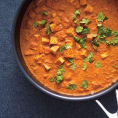 Tofu Tikka Masala - make vegan Chicken Recipes Video, Tofu Recipes, Healthy Chicken Recipes, Indian Food Recipes, Vegetarian Recipes, Cooking Recipes, Beurre Vegan, Tofu Chicken, Tofu Curry