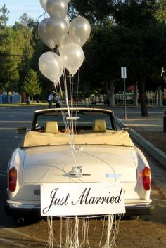 Awesome Wedding Car Decorations Ideas <br> The complex decoration is an important enhancement to the party scene, especially for a show like a bath. It is recommended that the ornaments are easy to assemble. Car Decoration today is an impor… Honeymoon Places, Romantic Honeymoon, Wedding Getaway Car, Wedding Cars, Dream Wedding, Just Married Car, Bridal Car, Wedding Car Decorations, Simple Weddings