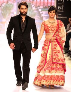 Vivian Dsena with wife Vahbbiz Dorabjee at the fourth edition of India International Jewellery Week. #Bollywood #Fashion #Tellywood