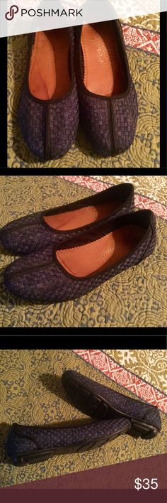 Bernie Meg Sz 8 Navy Flats Like New Worn only a couple of times . Have a water stain on insoles after being caught in the rain. Otherwise, perfect outside condition. Sz 8 bernie mev. Shoes Flats & Loafers