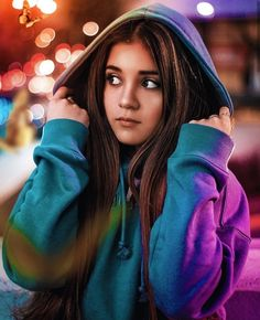 Neon Photography, Portrait Photography Poses, Fashion Photography Poses, Photography Women, Best Photo Poses, Girl Photo Poses, Tmblr Girl, Cute Girl Poses, Instagram Pose
