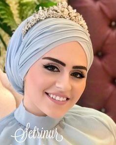 Image may contain: 1 person Hijab. The word conjures up images of gorgeous Mu Tesettür Hırka Modelleri 2020 Muslim Wedding Gown, Hijabi Wedding, Muslim Wedding Dresses, Bridal Dresses, Hijab Turban Style, Mode Turban, Beau Hijab, Hijab Dress Party, Hijab Outfit