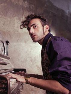 Il nuovo Album uscirà il 19 Marzo! Vincitore del 63°Festival di Sanremo,Marco Mengoni con L'essenziale