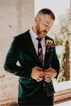 Tropical, Boho Wedding with bold flowers and couple with gorgeous tattoos! Flower crown and green velvet suit complete the look! Serie Suits, Suits Tv Shows, Green Suit Men, Black Suits, Green Suit Jacket, Wedding Men, Wedding Suits, Boho Wedding, Green Wedding Suit