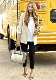 Chic office outfit idea. | Office Style
