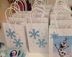 Lovely Frozen themed party favor bags for 2015 Halloween treat or trick - Olaf, snowflake - Treat or trick ? 2015 Halloween best Frozen themed candy bag for kids by Olaf Birthday, Frozen Themed Birthday Party, Disney Frozen Birthday, 6th Birthday Parties, Birthday Ideas, Turtle Birthday, Turtle Party, Frozen Disney, Carnival Birthday
