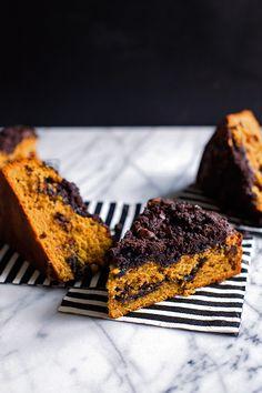 Pumpkin Chocolate Crumb Cake | by @cindyr http://hungrygirlporvida.com | Pumpkin Puree, Eggs, Milk, Vanilla, Cayenne, Butter