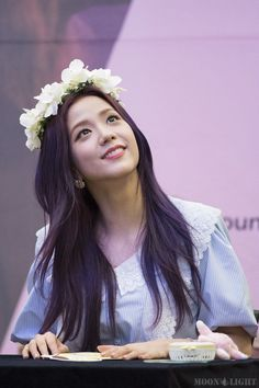 7 Photos of BLACKPINK Jisoo's Enchanting Purple Hair Will Put You Under Her Spell — Koreaboo