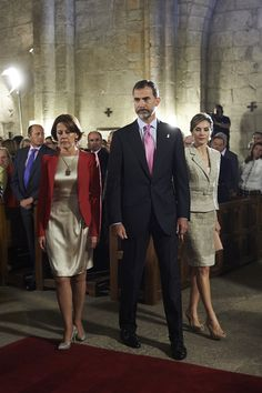 """King Felipe VI of Spain (C) and Queen Letizia of Spain (R) attend the """"Principe de Viana 2015"""" award and Tribute to the Navarra Old Royals at the San Salvador de Leyre Monastery on June 10, 2015 in Navarra, Spain."""