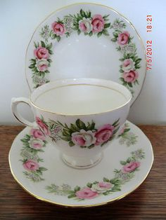VINTAGE TEA CUP, SAUCER, PLATE TRIO, COLCLOUGH ENCHANTMENT SHABBY CHIC PINK ROSE