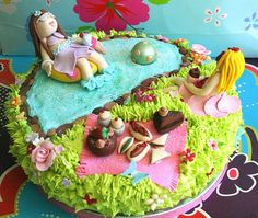 Summer pool party cake.