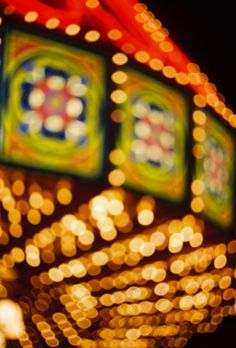 Blurry Eyes, Photo Bokeh, Wheel In The Sky, Human Oddities, Ferris Wheels, Carnival Rides, Merry Go Round, Carousels, Carnivals