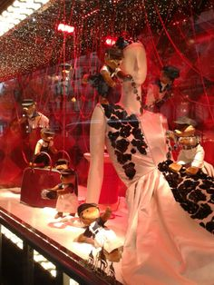 Vitrines de Noel à Paris 2013! Diy byM. Christmas in Paris Printemps & Lafayette