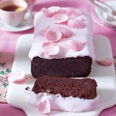 Lisa Faulkner's easy to make, rich and gooey sticky chocolate loaf cake. It's sure to be a family favourite and the ideal cake to bake for Mother's Da