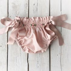 Image gallery – Page 815433076259013077 – Artofit Baby Bloomers Pattern, Diaper Cover Pattern, Fashion Kids, Baby Girl Fashion, Hipster Babies, Trendy Baby Clothes, Diaper Covers, Boho Baby, Baby Sewing