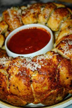 Pizza Monkey Bread! Ooey, gooey, pizza-filled savory monkey bread. Yum!