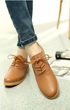 Women's #brown leather #DressShoe casual work lace up style, sewing thread, Round toe design, leather upper and lining.