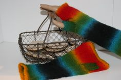 Rainbow gloves (Pinnwand Made by Schneckengote or fingerless gloves by Britta Homrighausen )