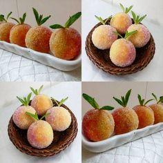 """Şeftali kurabiye tarifi: 1 paket margarin 1su bardağı pudra şekeri 1su bardağı nişasta 2,5-3 su bardağı un 1 yumurta 1 paket vanilya sarı ve…"" Turkish Recipes, Food Humor, Perfect Food, Cake Recipes, Food And Drink, Cooking Recipes, Peach, Yummy Food, Sweets"
