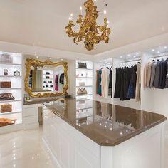 Glam Room/walk in closet Huge Closet, Master Closet, Closet Bedroom, Walk In Closet, Closet Space, Master Bedroom, Closet Vanity, Beautiful Closets, Beautiful Bedrooms